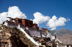 Les monastères tibétains acceuillent les pélerins à l'approche du Nouvel An tibétain - Buddhachannel