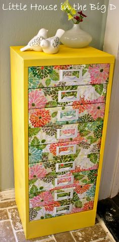 Love, love, love this Little House in the Big D: Spring Time Storage tutorial