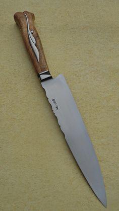 Wood Knife, Knife Art, Chef Knives, Steak Knives, Damascus Knife, Damascus Steel, Knife Grinder, Knife Making Tools, Beil