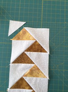 Le plus récent Images Patchwork und quilten Concepts Patchwork Vol D'oie, Patchwork Quilting, Patchwork Jeans, Quilting Tutorials, Quilting Projects, Quilting Designs, Half Square Triangle Quilts, Square Quilt, Patch Quilt