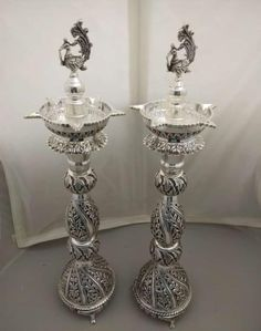 Antique Jewellery Designs, Antique Jewelry, Silver Jewelry, Jewelry Design, Ganpati Decoration At Home, Silver Pooja Items, Silver Jewellery Indian, Silver Trays, Silver Anklets
