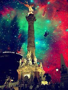 Estas son las 15 canciones que no pueden faltar en la celebración de la Independencia de México y la Noche Mexicana que seguramente ya estás planeando. http://www.linio.com.mx/