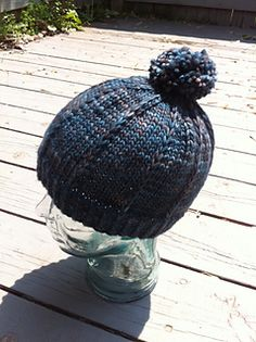 This is a blatant rip-off of the Malabrigo Head Thingie for a bulky yarn. My bestie wanted to do something with her gorgeous single skein of squarshy, soft Mecha and this seemed like a good idea.