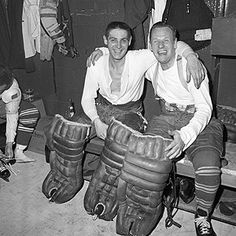 Johnny Bower shut out the Detroit Red Wings to give the Toronto Maple Leafs the Vezina Trophy. Hockey Goalie, Hockey Teams, Hockey Players, Ice Hockey, Hockey Room, Hockey Rules, Hockey Baby, Hockey Stuff, Men Of Courage
