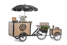 Café na bike. Ideas for bike trailer Coffee Carts, Coffee Truck, Coffee Shop, Bike Coffee, Mobile Cafe, Mobile Shop, Food Box, Food Trucks, Anjou Velo Vintage