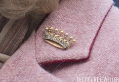 A Regal New Brooch for Camilla Royal Jewelry, Jewellery Uk, Jewelry Box, Camilla Duchess Of Cornwall, Royal Uk, Camilla Parker Bowles, Green Gemstones, Prince Charles, British Royals