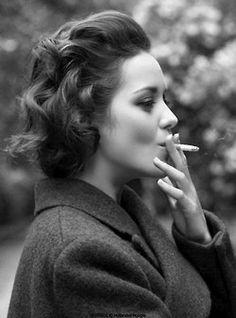 Marion Cotillard-beautiful woman but don't smoke!