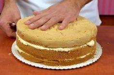 Tortový korpus - recept ako upiecť tortový korpus - VIDEO Ako sa to robí. Easy No Bake Desserts, Sweet Desserts, Sweet Recipes, Cake Recipes, Snack Recipes, Cooking Recipes, Sweets Cake, Cupcake Cakes, Birhday Cake
