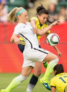 Julie Johnston vs. Colombia, June 22, 2015. (Geoff Robins/AFP/Getty Images)