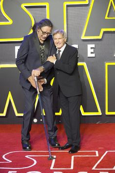 """""""Captain and co-pilot. and Chewbacca on red carpet"""" Harrison Ford Han Solo, Peter Mayhew, Han Solo And Chewbacca, Star Wars, Photoshoot, Guys, Stars, Film, Fictional Characters"""