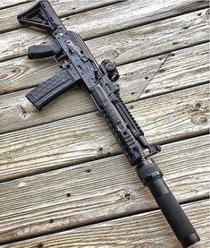 "tacticalsquad: "" Repost ・・・ Epic by 🔥🔥🔥 "" Airsoft Guns, Weapons Guns, Guns And Ammo, Zombie Weapons, Zombie Apocalypse, Rifles, Armas Airsoft, Armas Wallpaper, Battle Rifle"