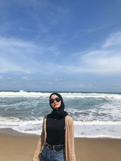 Beach, yes new normal #beach #selfcare #vitsea #newnormal #indonesia #pacitan #pantai #ootd #ootdpantai #hijabootd Ootd Poses, Street Hijab Fashion, Casual Hijab Outfit, Hijab Fashion Inspiration, Teen Fashion Outfits, Photography, Ideas, Style, Pictures