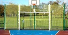 Reglas de baloncesto de la FIBA. FIBA es la sigla en inglés de la Federación Internacional de Baloncesto. Cuando los países se enfrentan entre sí en grandes eventos como el Campeonato del Mundo o los Juegos Olímpicos, los equipos juegan bajo las reglas de la FIBA y no de la NBA (siglas en inglés de la Asociación Nacional de Baloncesto) o la NCAA (Asociación Nacional Atlética ...