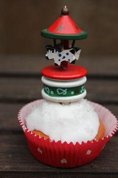 Weihnachtliche Eierlikör-Cupcakes hmmm. Diese Cupcakes passen zum Adventskaffee und dazu ein Eierlikörchen. Prost. Backen für Weihnachten. Und hier ist das Rezept http://wolkenfeeskuechenwerkstatt.blogspot.de/2012/12/adventskalender-17-turchen-eierlikor.html