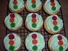 Traffic light cupcakes-could do this with biscuits