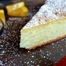 Rice and ricotta.an Italian dynamic duo presented to you in the shape of a pie! Come take a look at this family recipe for Rice Ricotta Easter Pie. Ricotta Pie, Ricotta Cheesecake, Cheesecake Recipes, Pie Recipes, Sweet Recipes, Dessert Recipes, Italian Cheesecake, Japanese Cheesecake, Dessert Ideas