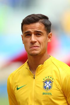 Philippe Coutinho of Brazil stands for the anthems prior to the 2018 FIFA World Cup Russia group E match between Brazil and Costa Rica at Saint Petersburg Stadium on June 2018 in Saint Petersburg, Russia. (Photo by Robbie Jay Barratt - AMA/Getty Images) Brazil Football Team, Football Icon, National Football Teams, World Football, Football Soccer, Neymar Jr, Messi, Real Madrid, Alex Sandro