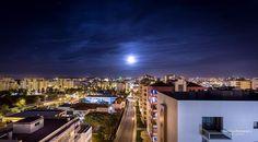 City Night Lights #portugal #algarve #portimao #city #cidade #moon #lua #noite #night #nightphotography #longexposure #cityscape #photosergereview