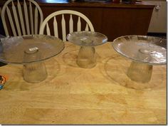 Set of cake plates made with salvaged glass globes from a ceiling fan, strong glue, and matching glass plates in different sizes Ceiling Fan Light Globes, Glass Light Globes, Globe Lights, Glass Globe, Repurposed Light Globes, Repurposed Items, Cute Crafts, Crafts To Make, Cut Bottles