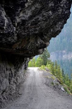 Boulder off road extreme jeeping roads, Ouray, Colorado Done this road Many x's....all hours day/nite.....looks like Ophir Pass (not 2 diff...but lotsa ledges & extreme drop offs w- min road width...). Could b a section on Imogene Pass or   Black Bear...??  Can't wait til season!