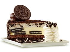 Who doesn't like Oreos? And when you combine them with cheesecake it doesn't get much better than this. Oreos and cheesecake are truly a match made in heaven. INGREDIENTS 2 tablespoons melted butter 1½ cups Oreo cookie crumbs 1½ pounds room-temperature cream cheese 1 cup sugar 5 room-temperature eggs 1 cup room-temperature sour cream ¼ …