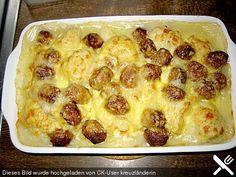 Blumenkohlauflauf mit Bratwurtsbällchen und Kartoffeln