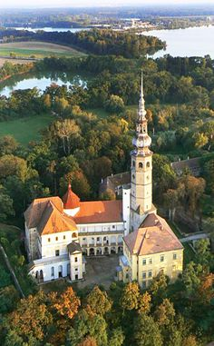 Tovačov castle and lakes (North Moravia), Czechia #castles #Czechia #architecture #historicalsite