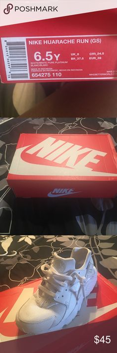 Nike Huaraches Run (GS) Slightly worn Nike all white huaraches! Size 6.5! Nike Shoes Sneakers