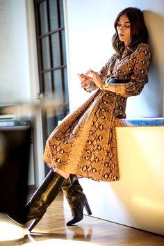 Giorgia Tordini for BLVD magazine by Sasha Lytvyn. New York, February 2014 Office Fashion, Daily Fashion, Snake Print Dress, Vogue, Mode Inspiration, Fashion Inspiration, Elegant Outfit, Look Chic, Fall Looks