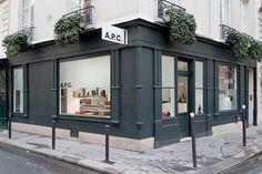 A.P.C.   1, rue de Varenne   75007 Paris   Lundu-Samedi de 11h à 19h30