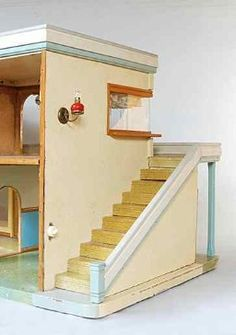 old doll house 24 Exterior Stairs, Interior And Exterior, Dollhouse Dolls, Dollhouse Miniatures, Tiny World, Living Dolls, Old Dolls, Doll Stuff, Dollhouse Furniture
