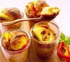 Record à battre : 4 min pour réaliser ces Mug cake provençal. Plus de recettes express ici : www.enviedebienmanger.fr/idees-recettes/recettes-express