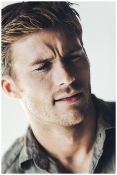 Scott Eastwood ''Lucky'' He Had Chemistry With Co-Star Britt Robertson, Says He Was ''Pretty Comfortable'' With Sex Scenes Scott Eastwood, Nylon Magazine Nicholas Sparks, Mode Masculine, Clint And Scott Eastwood, Scot Eastwood, The Longest Ride, Britt Robertson, Love Scenes, Marvel, Good Looking Men