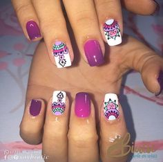 Esmaltado semipermanente. . ☎️ Pide tu cita: (7) 612-2062 • (321) 952-2467 Cra 17 # 53-16 Barrio Uribe Uribe Lunes a sábado de 8:00 a. m. a 7:00 p. m. • Domingos y festivos de 10:00 a. m. a 4:00 p. m.  #nail #nailart #nailidea #nailinspiration #naildesign #nagel #nageldekoration #chiodo #clou #uña Hot Nails, Hair And Nails, Cruise Nails, Semi Permanente, Mandala Nails, Gel Nagel Design, Shellac Nails, Chrome Nails, Cute Nail Art