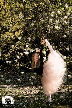 #dancinginmagnolia #ballerina #worldwidedance #magnolia #worldofdance #dance #ballet #shooting #dancephotosession #classicdance #warsaw   Photo by Aleksandra Sochacka