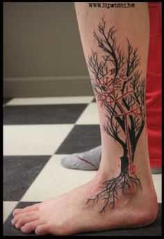 Darwin tree tattoo by Eva Mpatshi www.mpatshi.be www.beautifulfreaktattoo.com