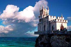 Estate in the Harbor (Swallow Nest Castle in Ukraine)
