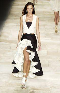 Givenchy at Paris Fashion Week Spring 2004 - Runway Photos