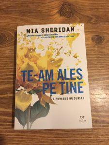 Te-am ales pe tine de Mia Sheridan New York Times, Books To Read, Reading, Reading Books, Reading Lists