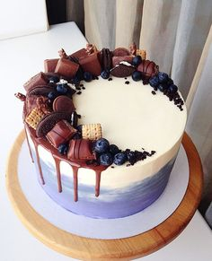 64 trendy ideas birthday cake decorating ideas for boys food Cake Decorating Techniques, Cake Decorating Tips, Bolo Tumblr, Food Cakes, Cupcake Cakes, Cake Recipes, Dessert Recipes, Dessert Ideas, Decoration Patisserie