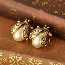 $10 (mix order) Free Shipping Min.order is $15 (mix order) Cute Fashion Imitation-pearl Bug Earring Jewelry For Women R2090