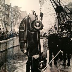 ED VAN DER ELSKEN (1925 – 1990)/ Het Stadsarchief Amsterdam presenteerde het fotoboek Amsterdam! van Ed van der Elsken met oude foto's 1947-1970, naar aanleiding van de herdruk van het gelijknamige fotoboek. Tentoonstelling was van 6 juni t/m 14 september 2014, Stadsarchief, gebouw de Bazel, Amsterdam// eigen foto gemaakt op 15 juni 2014