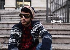 http://www.strangefroots.com Lunettes ornementées vinyle réalisées par  STRANGE FROOTS