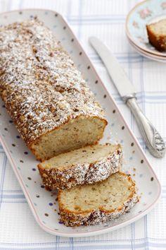 עוגת חלבה ושקדיםHalva and Almond Cake