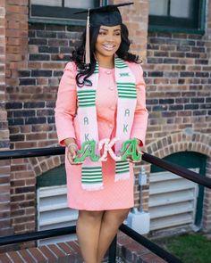 Aka Sorority, Alpha Kappa Alpha Sorority, Sorority And Fraternity, African American Weddings, African American Women, Black Girl Magic, Black Girls, Graduation Photoshoot, Graduation Pictures