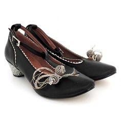 Zapatos de piel con adornos Nemonic
