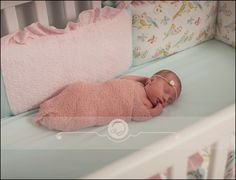 newborn photography | tiny toes | bebe | nursery