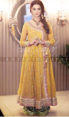 Beautiful mayyon wear Pakistani Mehndi Dress, Pakistani Formal Dresses, Pakistani Wedding Outfits, Pakistani Dress Design, Indian Dresses, Indian Outfits, Simple Mehndi Dresses, Bridal Mehndi Dresses, Walima Dress