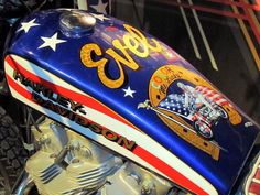 Paint job Motorcycle Tank, Motorcycle Posters, Evil Kenevil, Extraordinary People, Gumball Machine, Lifted Trucks, Harley Davidson, Classic Cars, Motorcycles