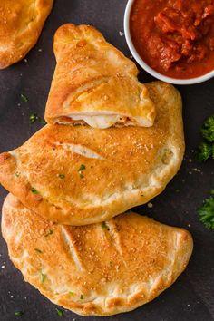 Homemade Calzone, Homemade Marinara, Homemade Cheese, Homemade Pizza Pockets, Calzone Dough, Cheese Calzone, Calzone Recipe With Pizza Dough, Pizza Dough Recipes, Chicken Calzone